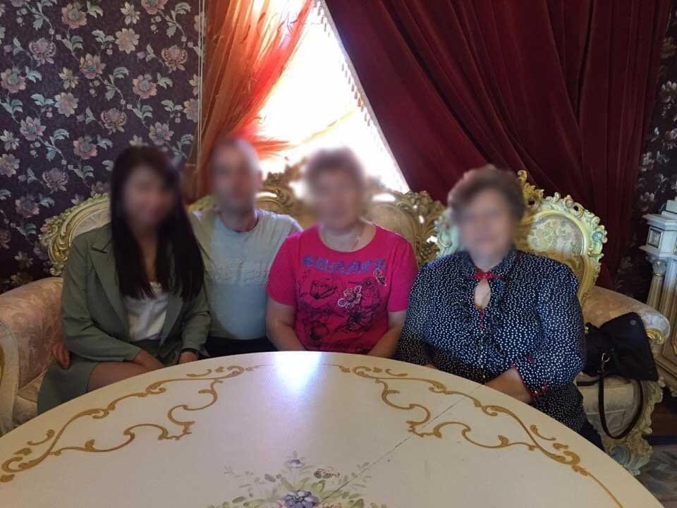 Приезд родных к Алексею